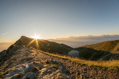 Kostnadsfri bild av atmosfär, atmosfärisk, berg, dimma