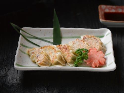 Foto profissional grátis de alimento, almoço, carne, comida japonesa