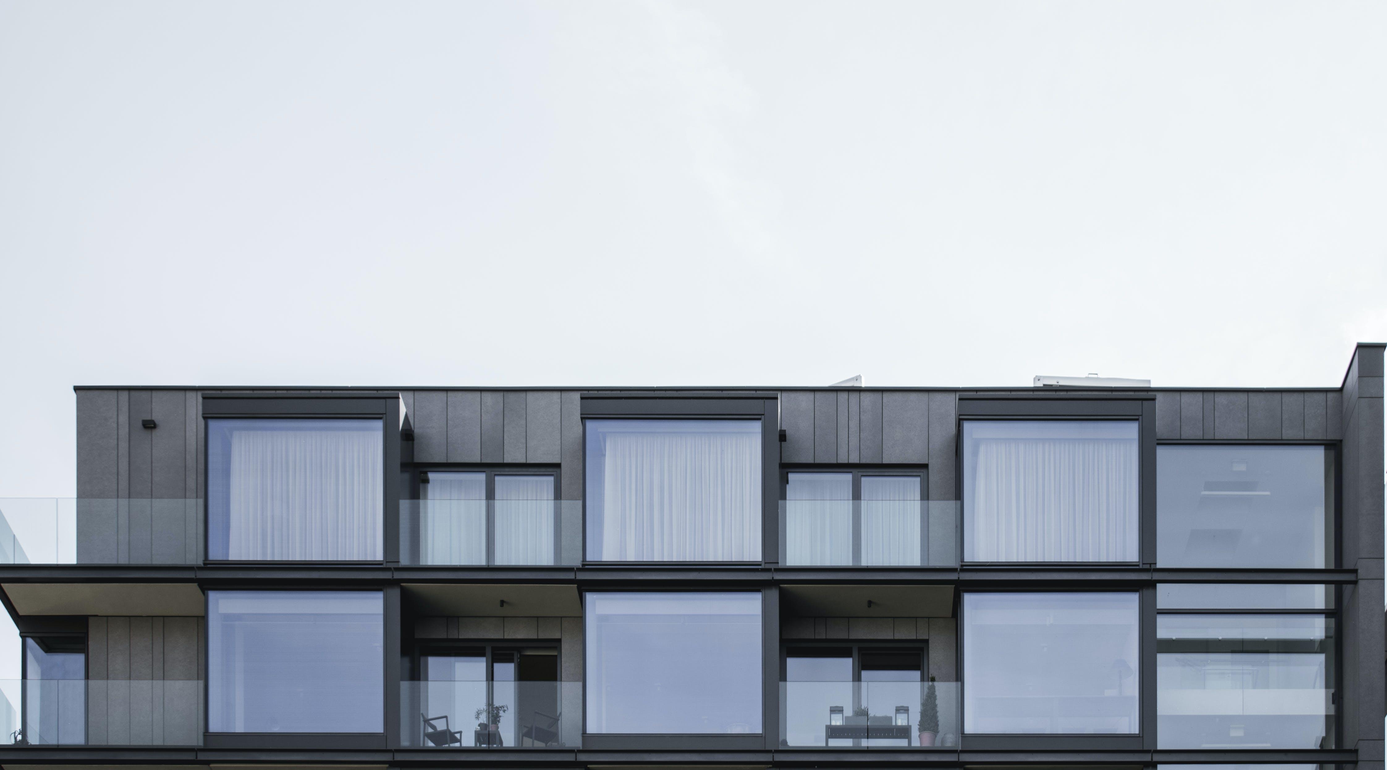Darmowe zdjęcie z galerii z architektura, balkony, budynek, dom