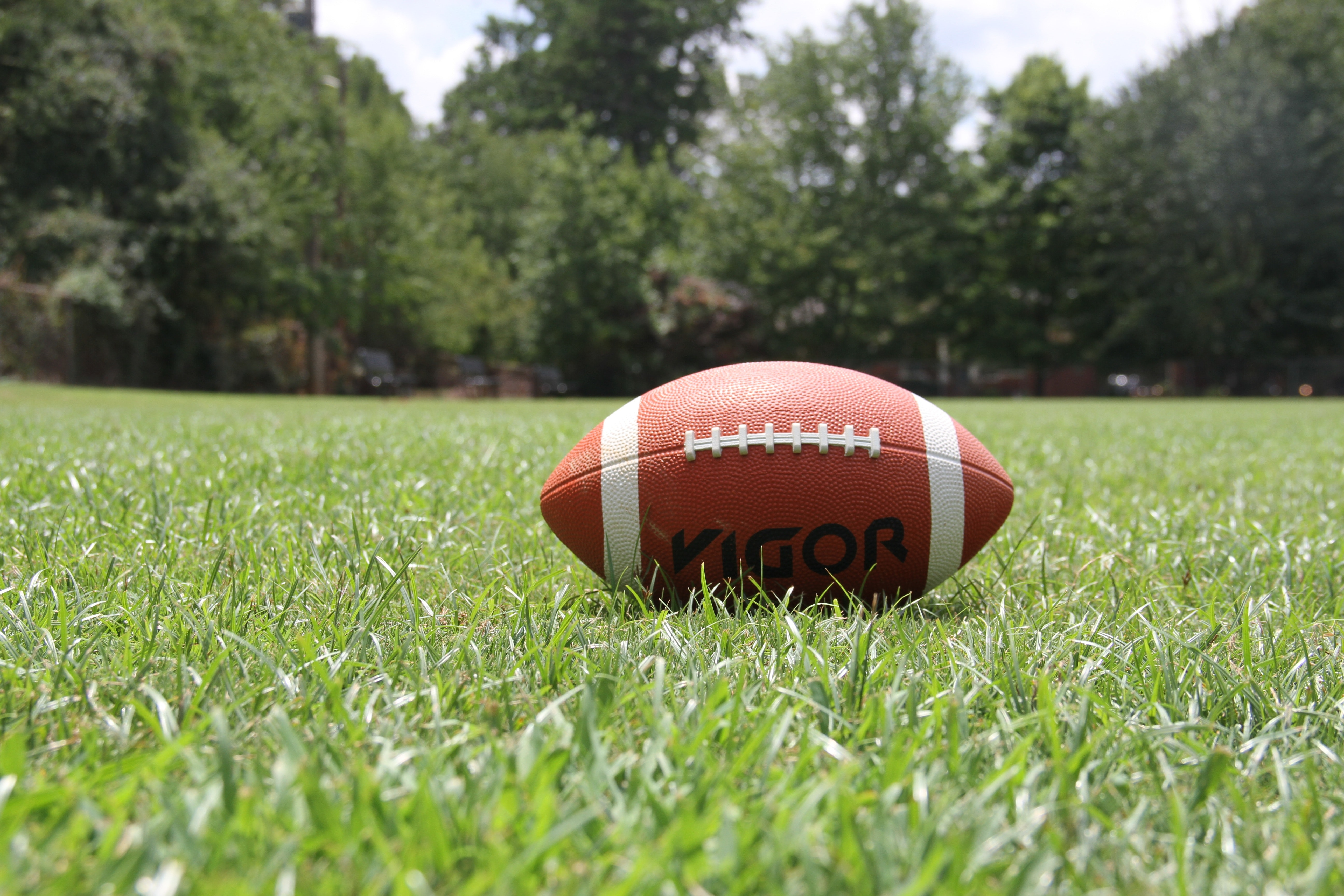 60 American Football Field Wallpapers: Football Pictures · Pexels · Free Stock Photos