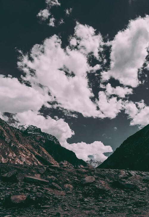 Foto stok gratis air, awan, bukit, cahaya