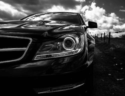 araba, araç kullanmak, bulutlar, chrome içeren Ücretsiz stok fotoğraf
