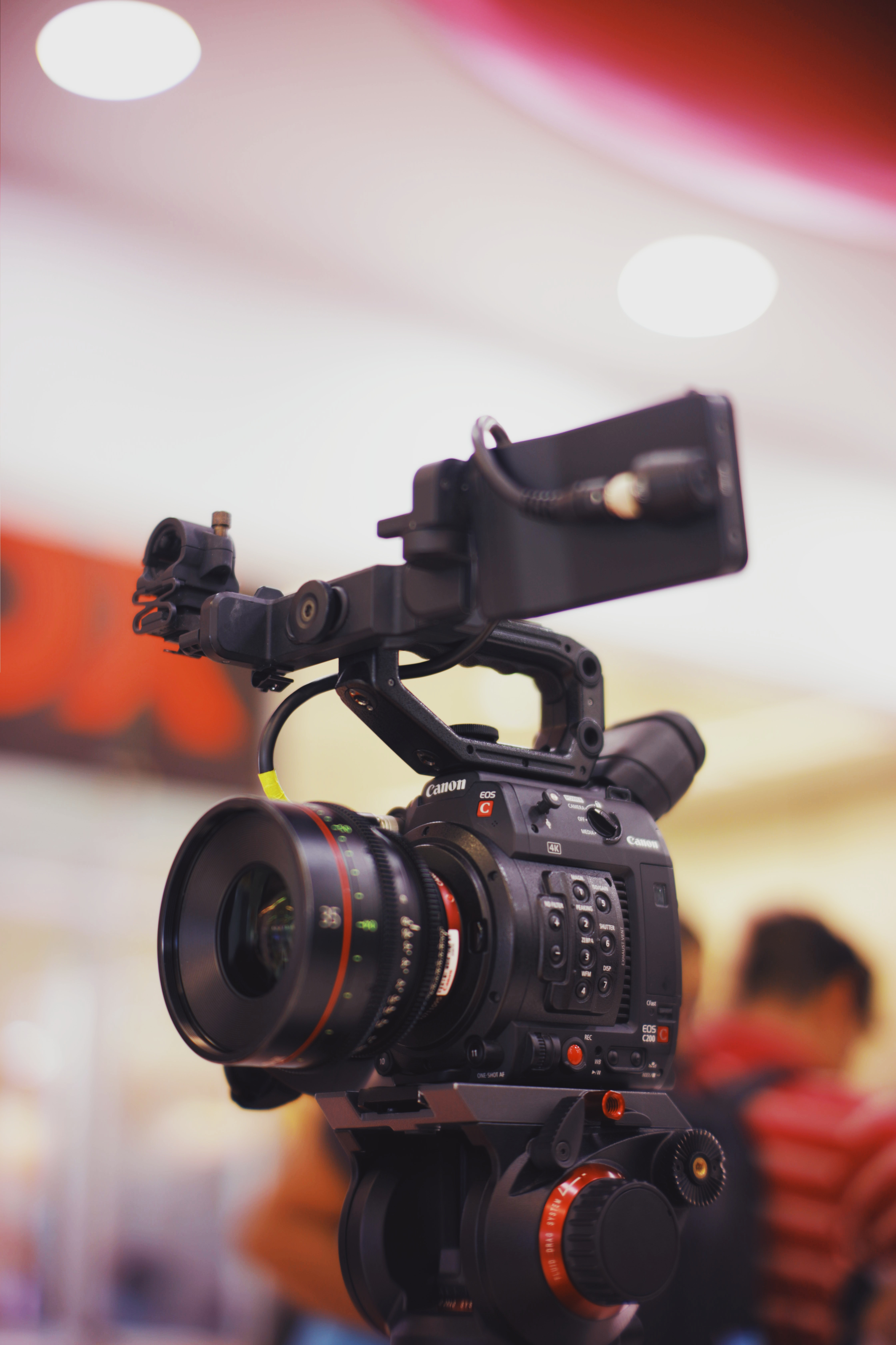 Selective Focus Photography Of Professional Video Camera · Free