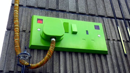 Бесплатное стоковое фото с зарядка, здание, зеленый, оборудование