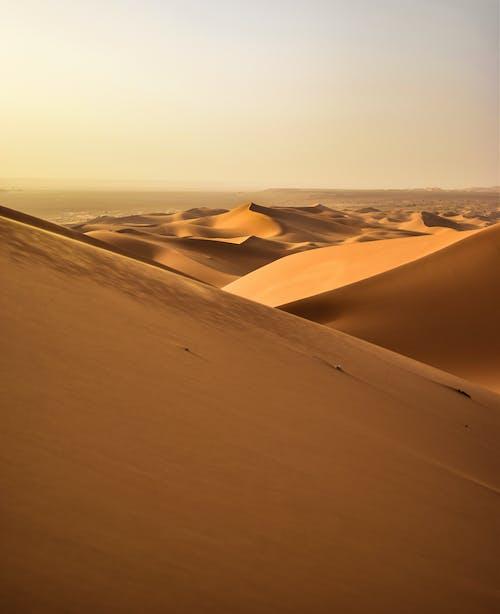 Безкоштовне стокове фото на тему «віддалений, гарячий, дюна, краєвид»
