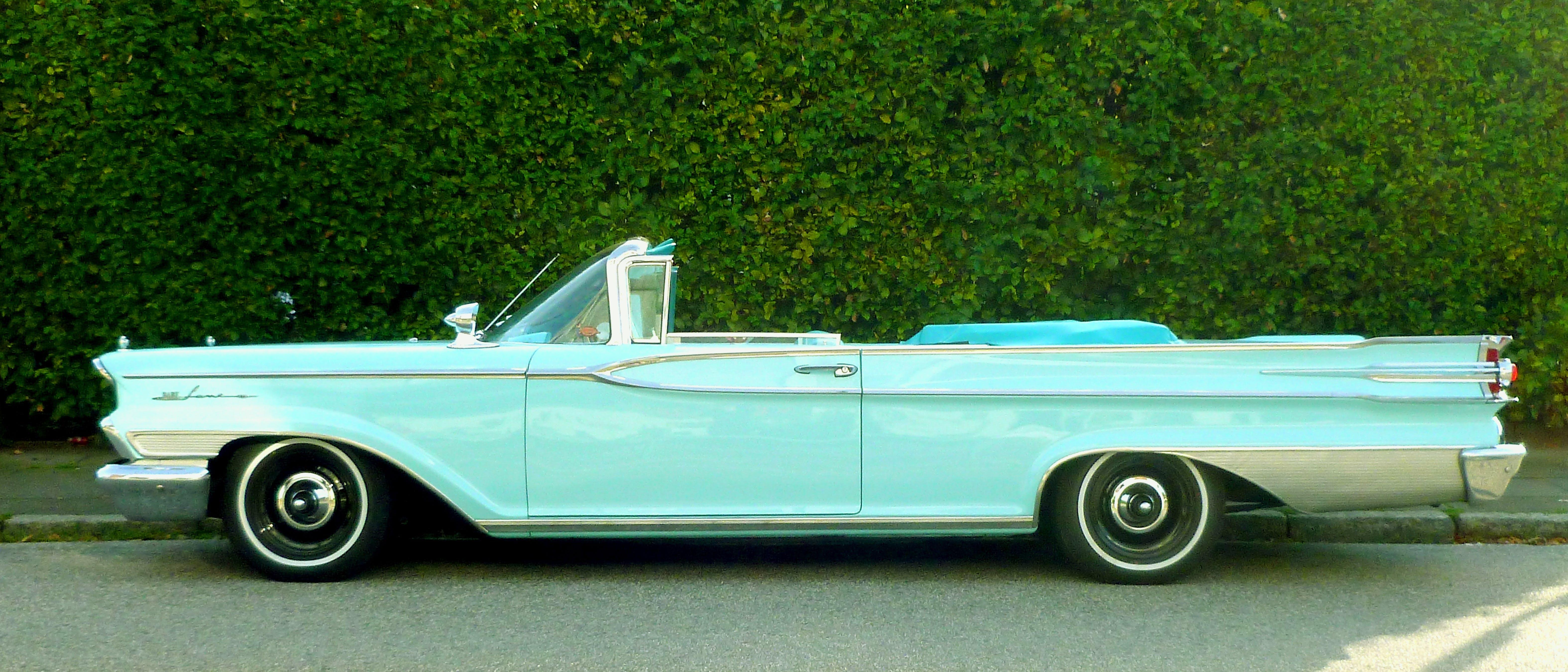 Teal Vintage Cabriolet