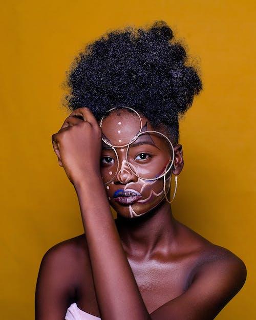 Foto d'estoc gratuïta de afro, atractiu, bonic, cara
