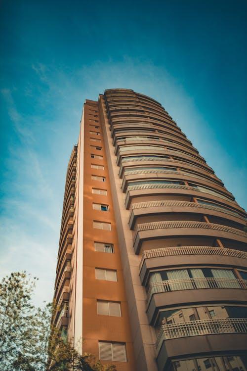 bakış açısı, bina, dar açılı çekim, gökdelen içeren Ücretsiz stok fotoğraf