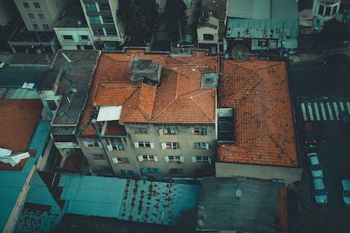 Kostenloses Stock Foto zu dach, gebäude, luftschuß, städtisch