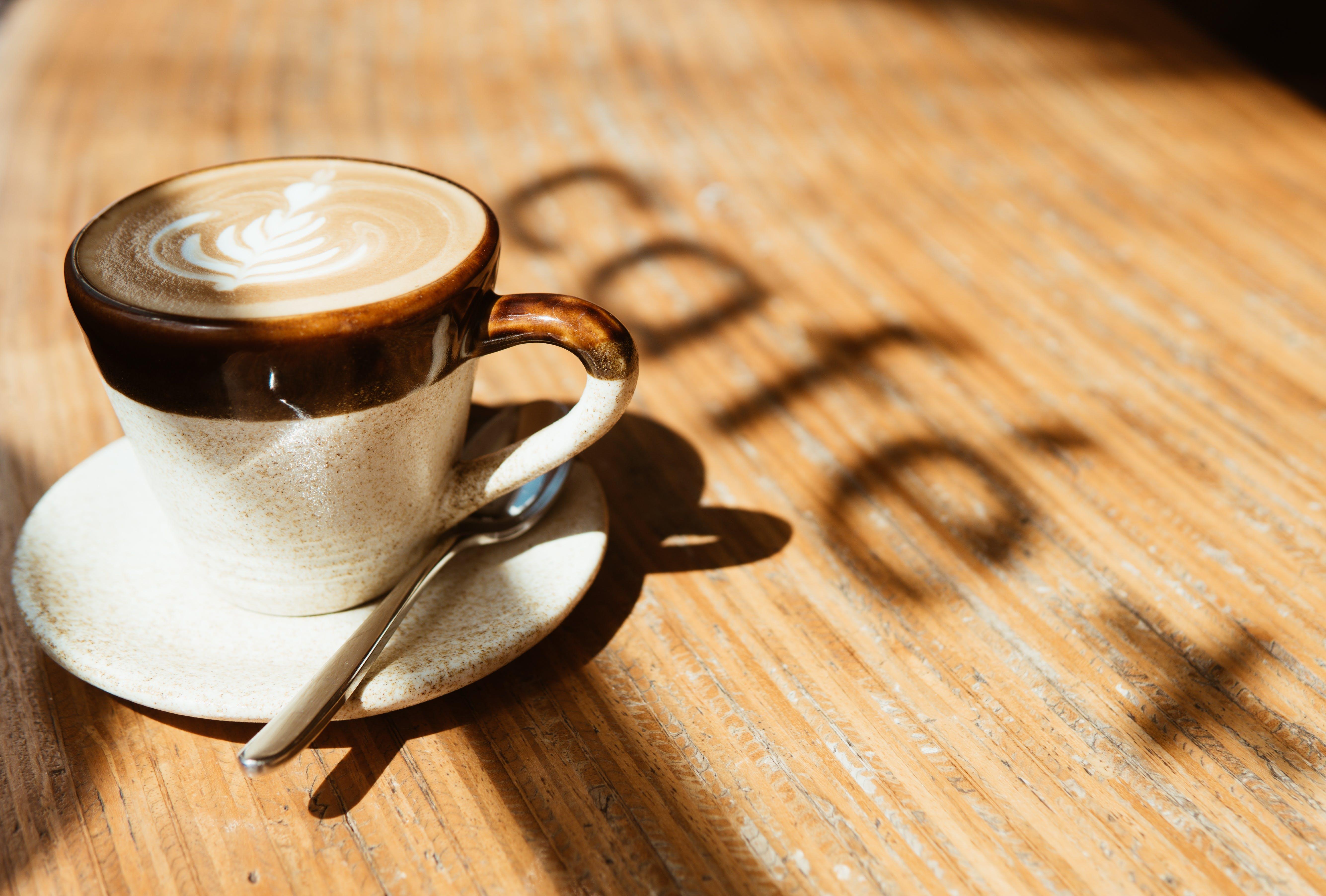 Darmowe zdjęcie z galerii z cappuccino, drink, espresso, gorąco