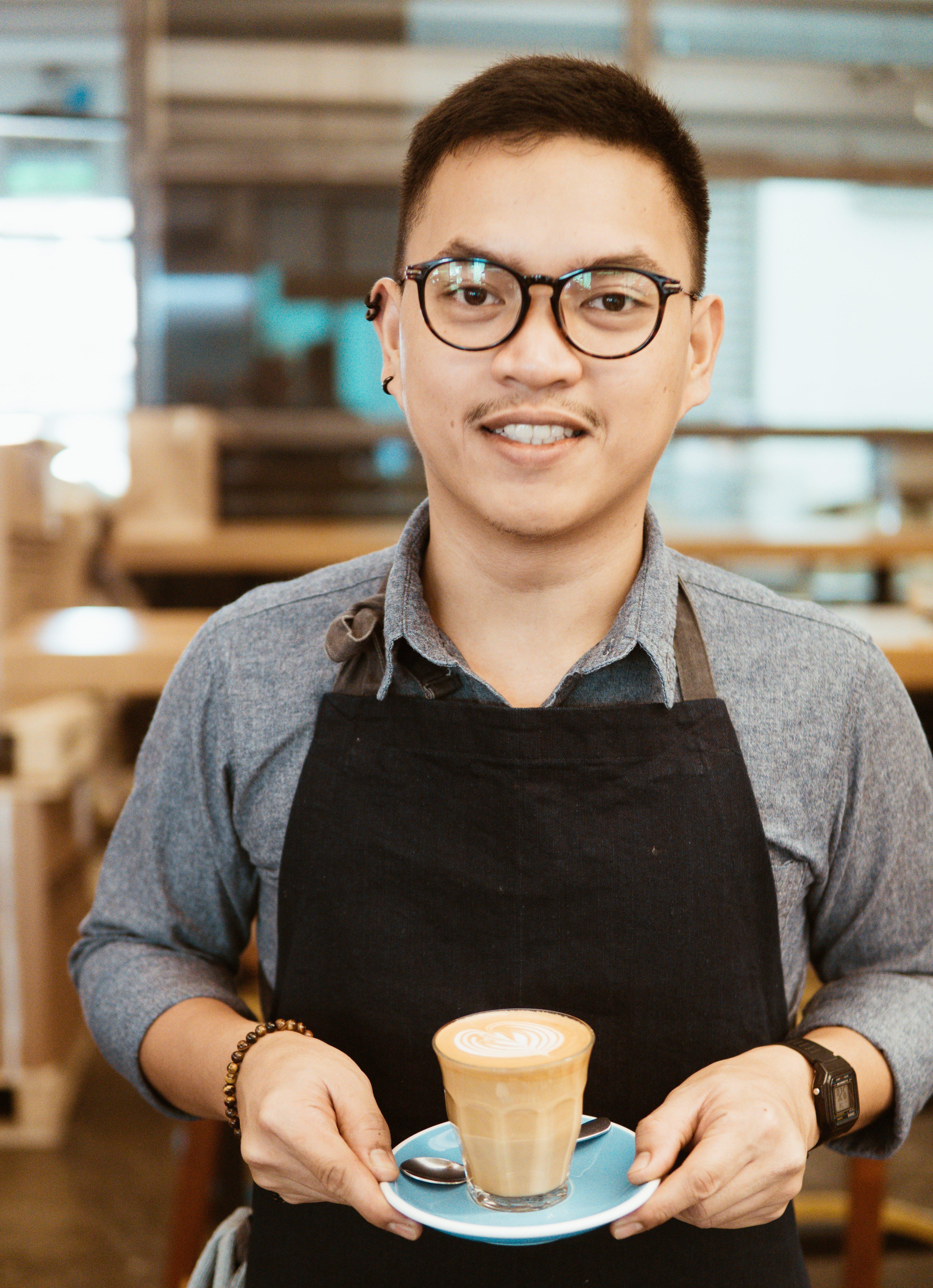 Gratis stockfoto met bril, cappuccino, drankje, drinken