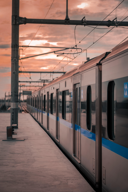 Foto profissional grátis de estação, estação de trem, locomotiva, plataforma