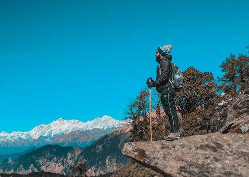 Imagine de stoc gratuită din albastru, alpinist, arbori, back pack