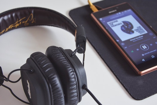Free stock photo of smartphone, cable, technology, music