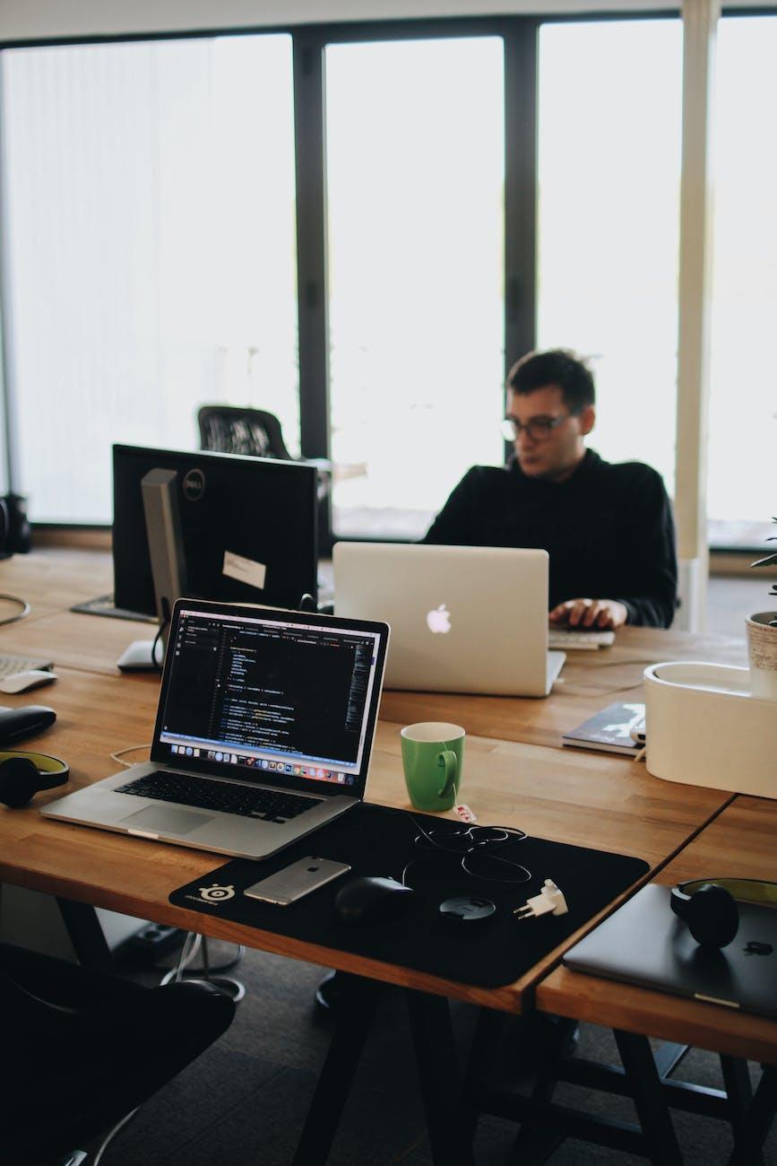 idées de travail indépendant pour devenir financièrement indépendant