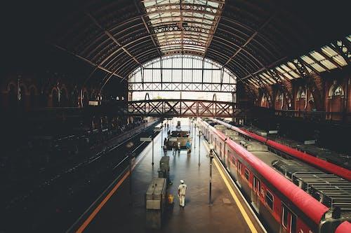 Fotobanka sbezplatnými fotkami na tému cvičiť, dopravný systém, nástupište, stanica