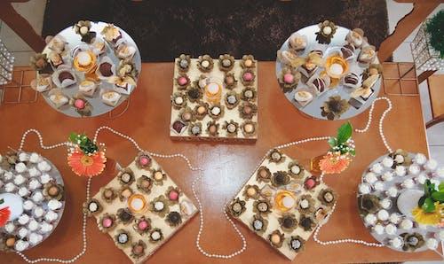Ingyenes stockfotó cukorkák, házasság, ünneplés, virágcsoport témában