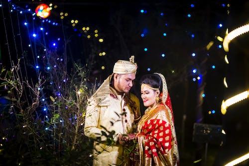 Kostenloses Stock Foto zu beleuchtung, braut, braut und bräutigam, bräutigam