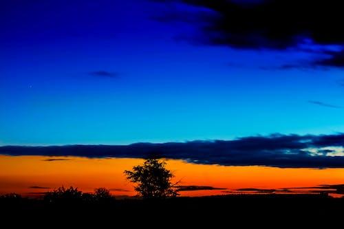 Gratis lagerfoto af aften, bagbelyst, blå time, dramatisk