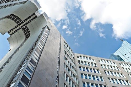 Základová fotografie zdarma na téma architektura, budova, mraky, oblouk