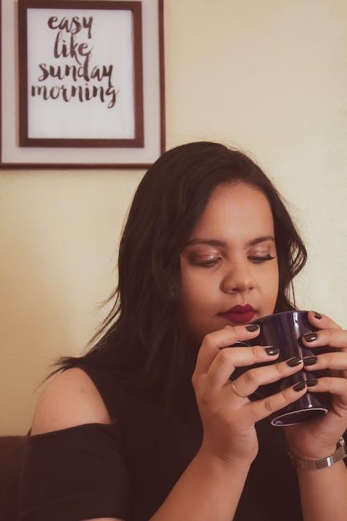 Fotobanka sbezplatnými fotkami na tému #mobilechallenge, #outdoorchallenge, 20-25 ročná žena, Adobe Photoshop