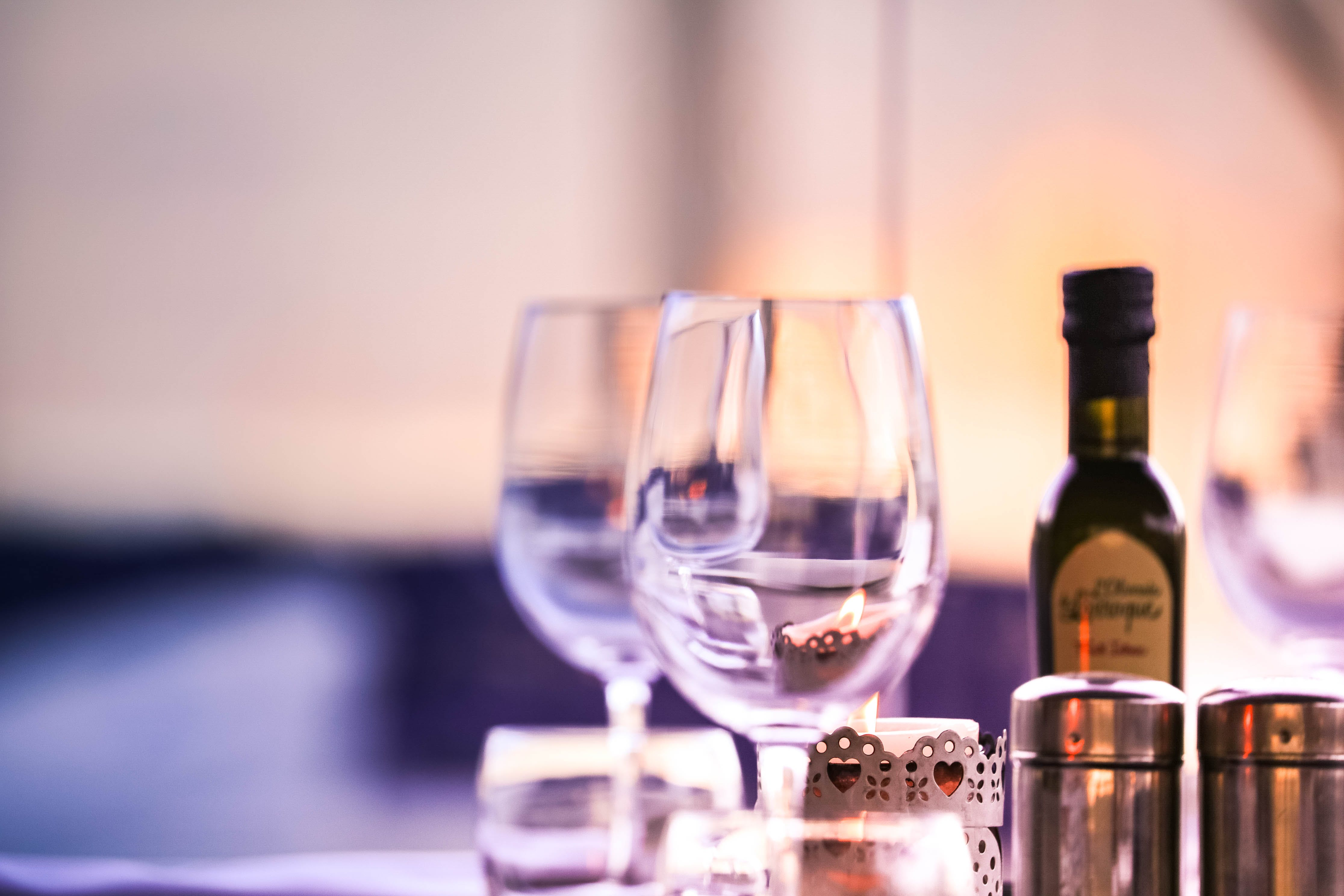 Foto profissional grátis de bebida, borrão, copo de bebida, copos de vinho