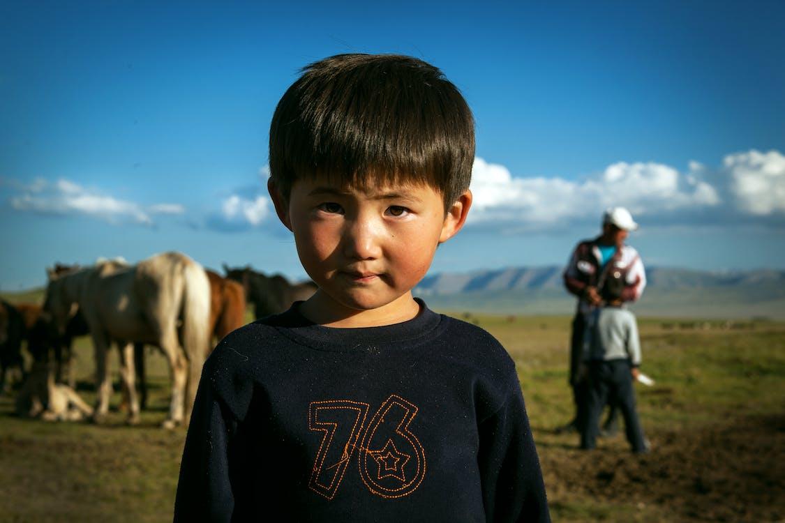 asiatische person, asiatischer junge, asiatisches kind