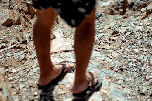 Gratis lagerfoto af Ben, dagtimer, Dreng, fodtøj