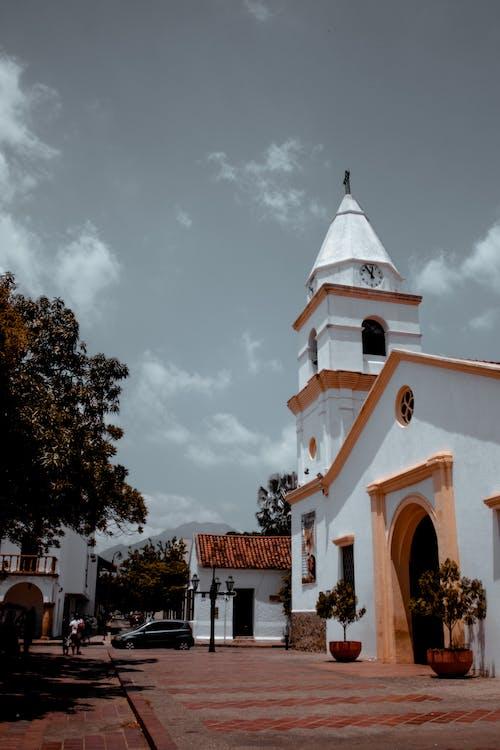 Základová fotografie zdarma na téma architektura, auto, budova, církev