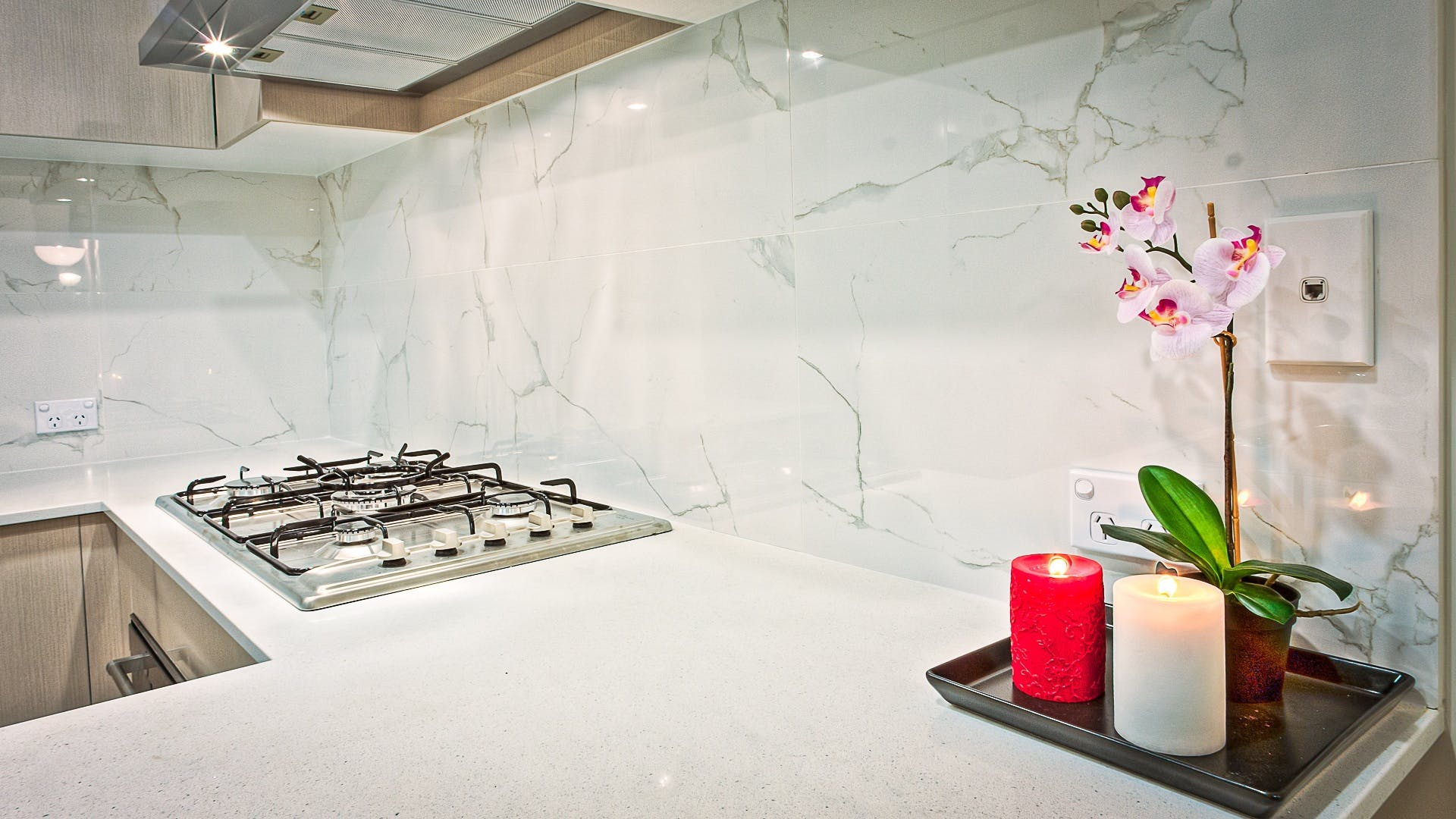 backsplash, candles, contemporary