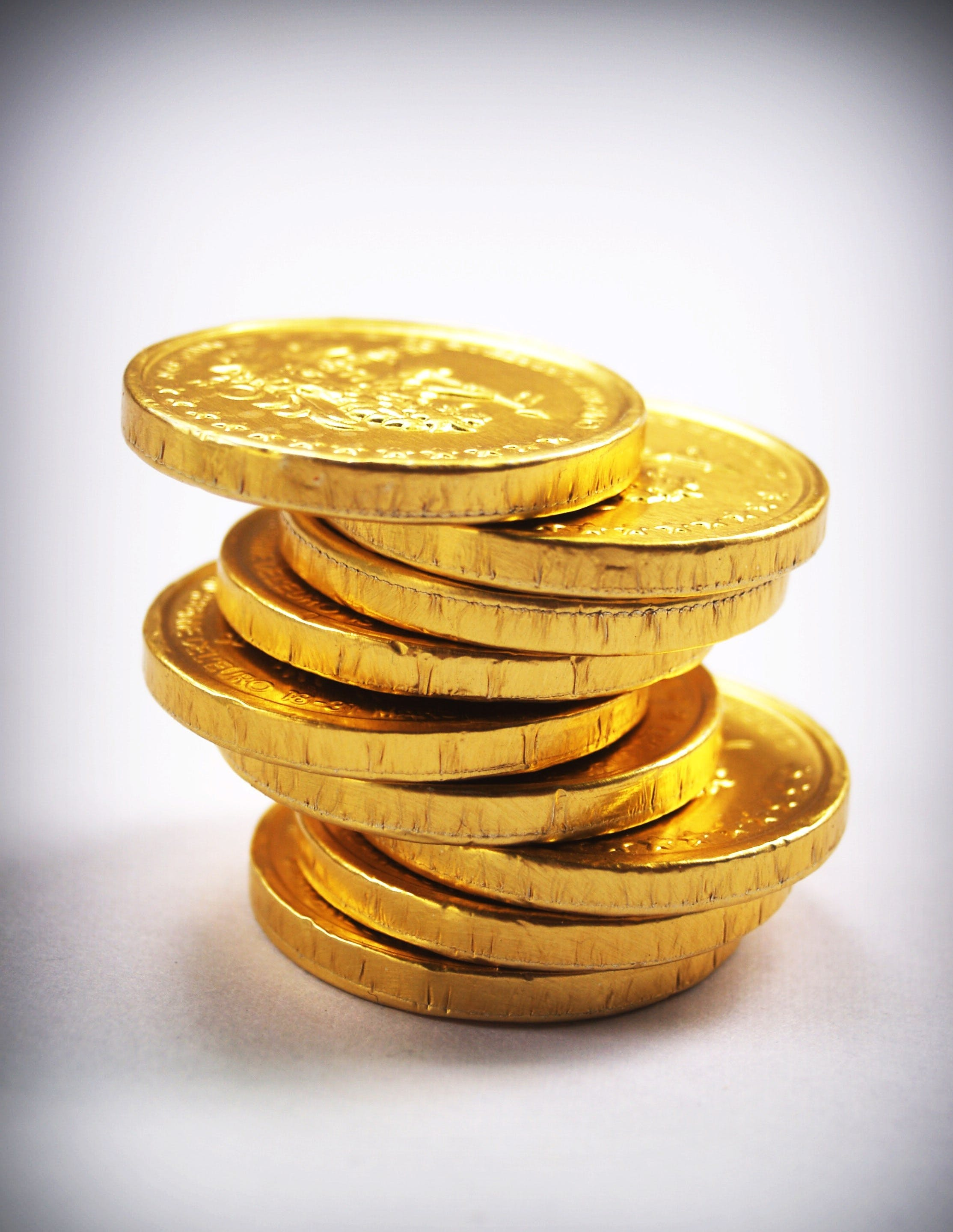 9 Piece of Gold Round Case of Chocolates