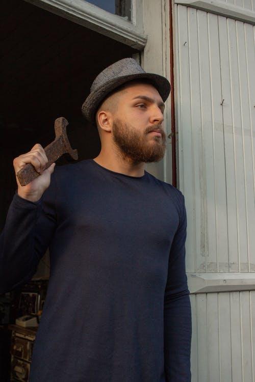 Бесплатное стоковое фото с Борода, выражение лица, гаечный ключ, длинные рукава