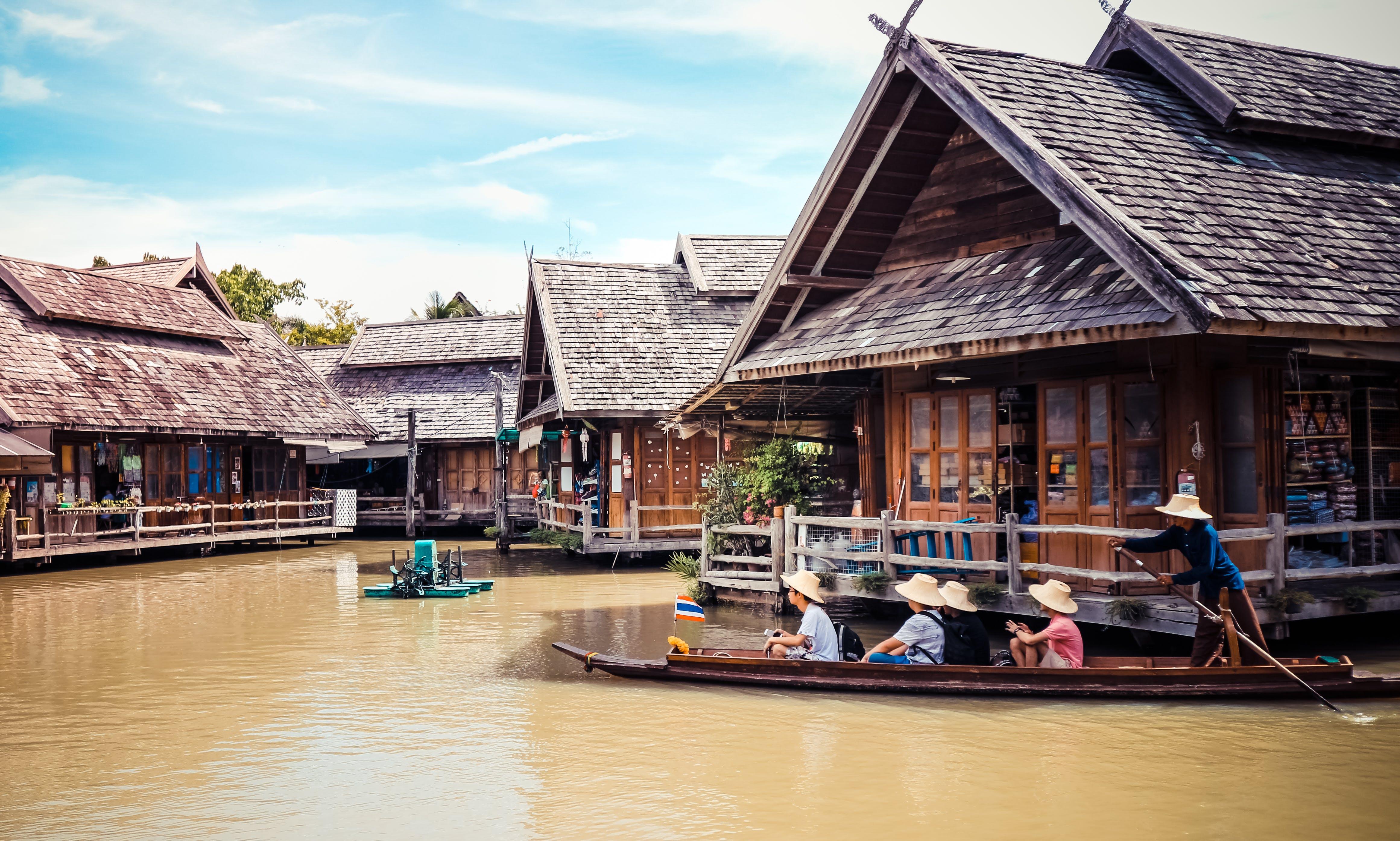 Kostnadsfri bild av arkitektur, båt, butiker, byggnad