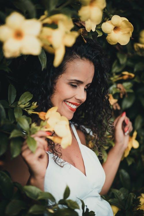 享受, 人, 咖啡色頭髮的女人, 夏天 的 免費圖庫相片