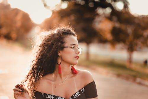 Základová fotografie zdarma na téma atraktivní, bokeh, brýle, dáma