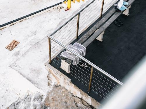 Foto d'estoc gratuïta de a l'aire lliure, acer, arquitectura, baranes