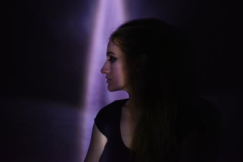 側面圖, 光, 女人, 擺姿勢 的 免費圖庫相片