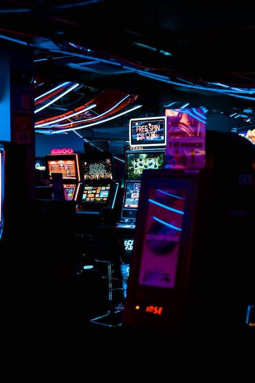 Darmowe zdjęcie z galerii z ciemny, ekran, elektronika, gra