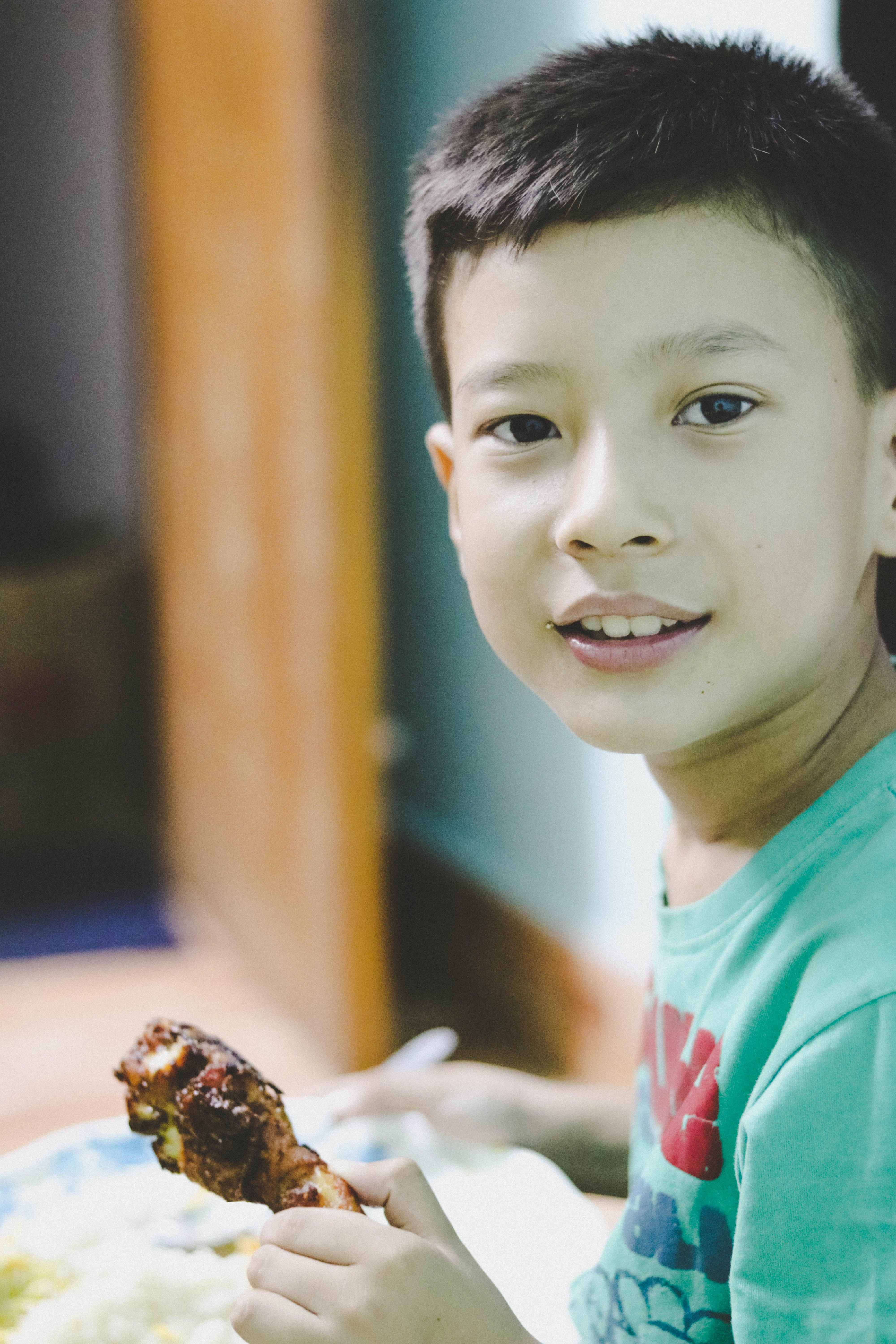 Free stock photo of boy, chicken, eating, fried chicken