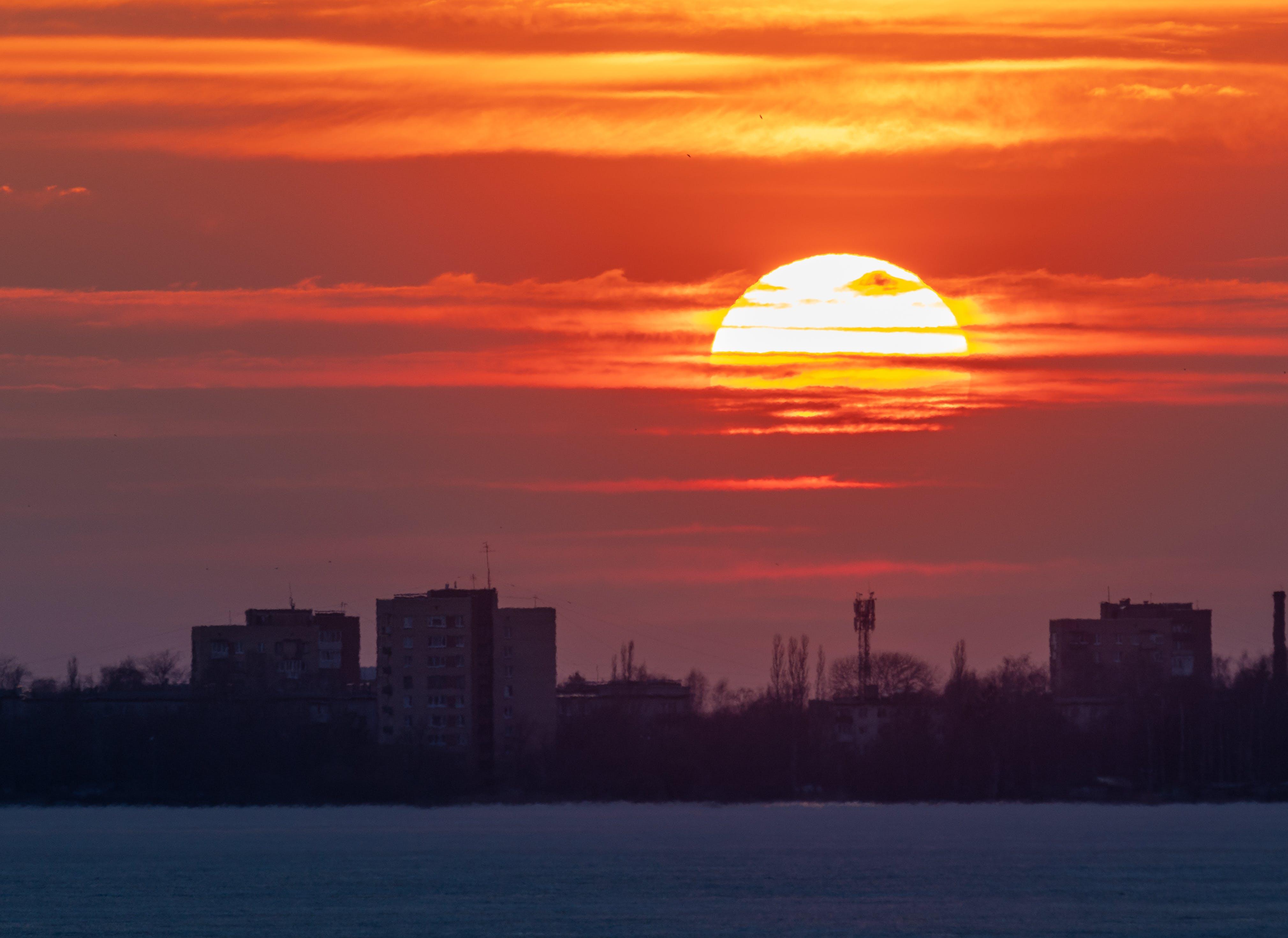 城市, 太陽, 日落, 景觀 的 免費圖庫相片