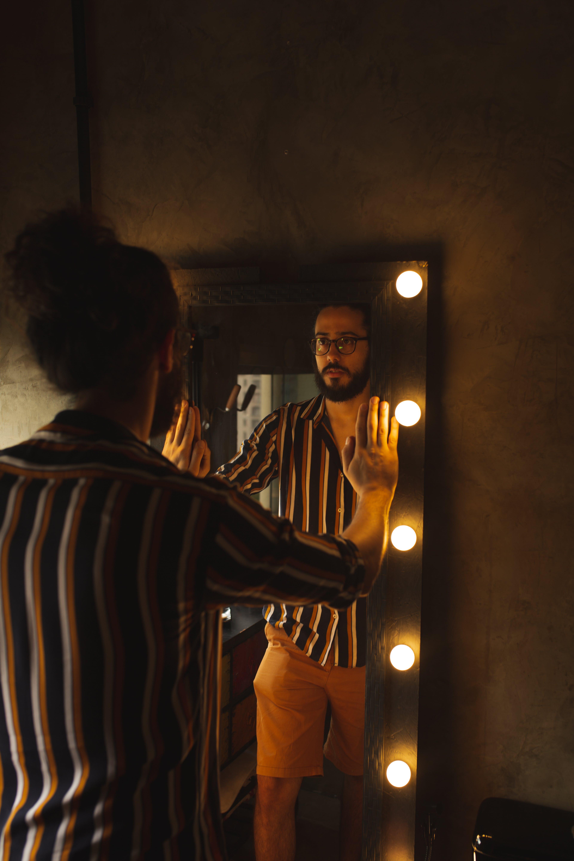 Základová fotografie zdarma na téma barvy, brýle, chlápek, chloupky na obličeji