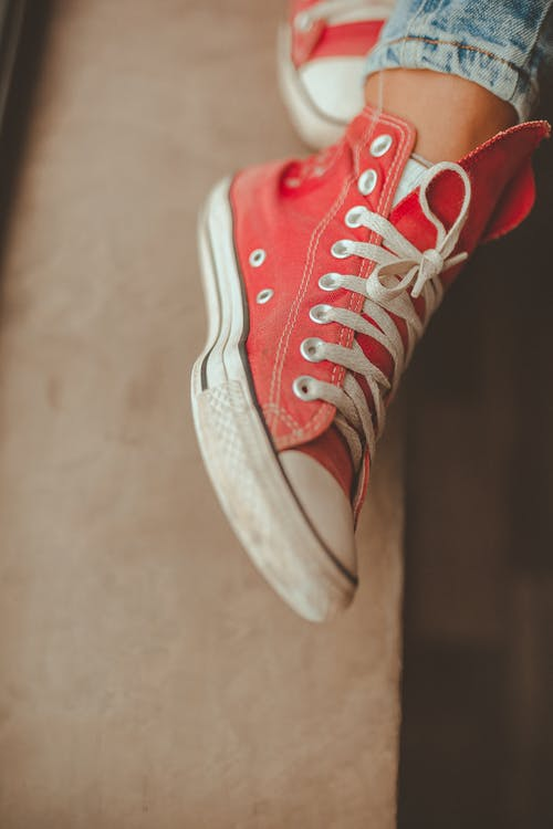 Foto d'estoc gratuïta de calçat, calçat esportiu, colors, concentrar-se