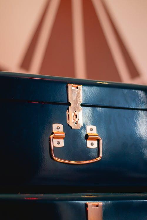Ilmainen kuvapankkikuva tunnisteilla keskittyminen, kiiltävä, lentolaukku, lukko