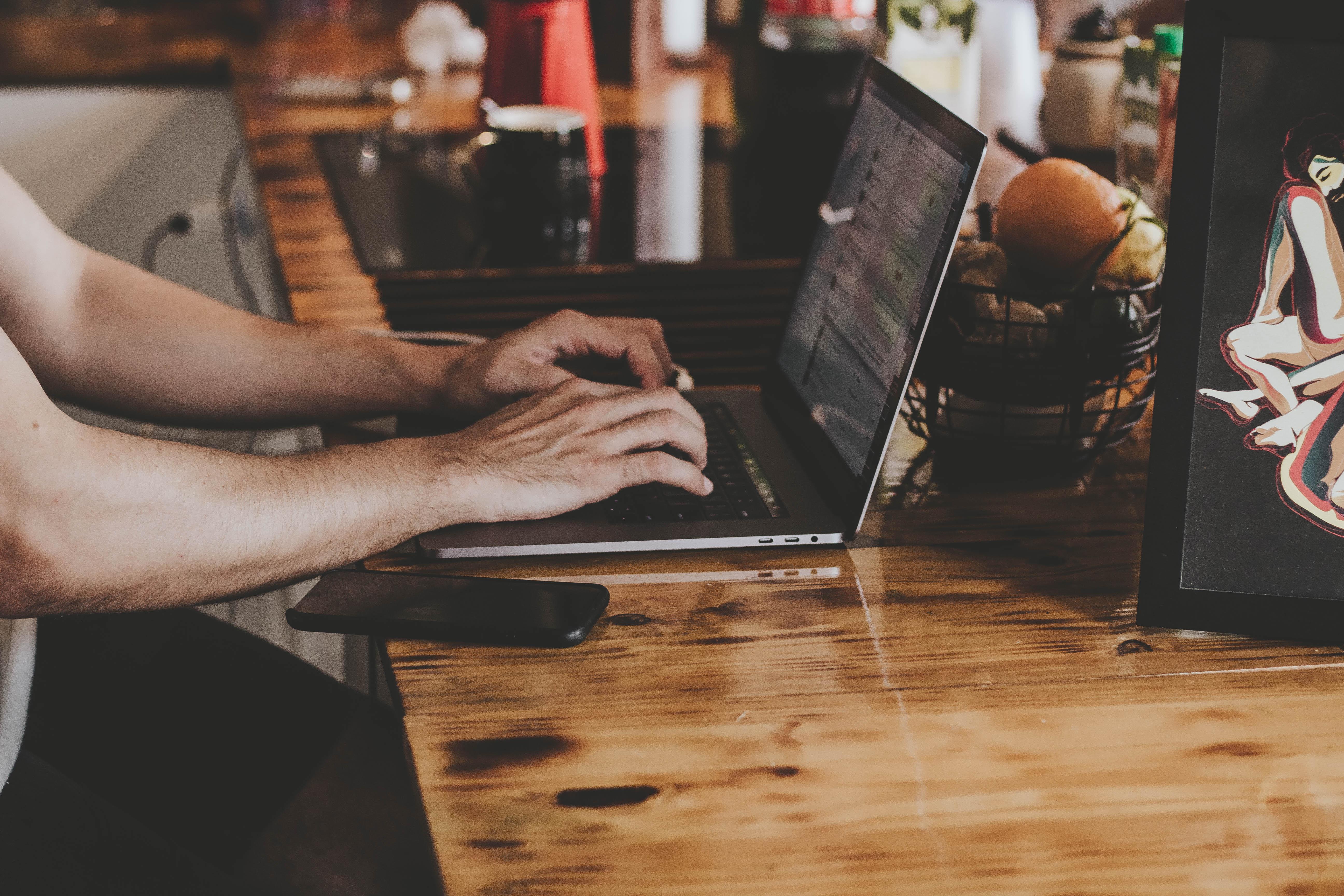 laptop-trading