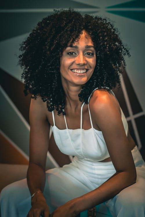 Gratis arkivbilde med afro, bruke, kvinne, modell