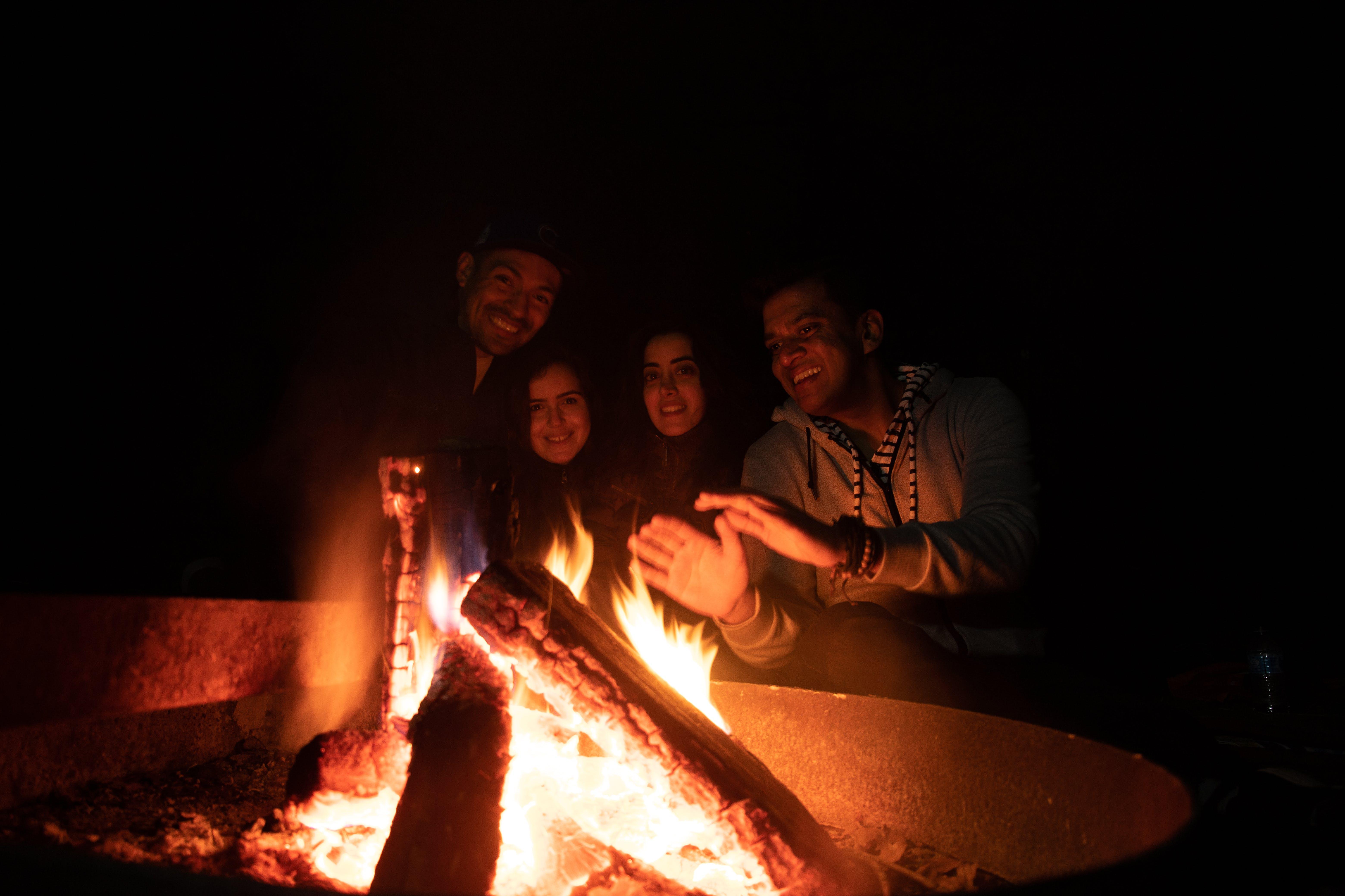 Ingyenes stockfotó éjszaka, kemping, máglya, Tűz témában