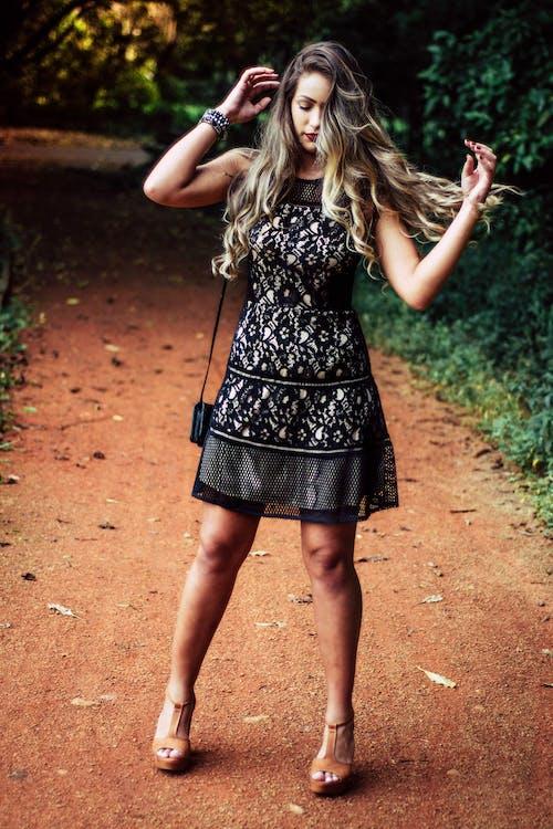 Gratis stockfoto met aantrekkelijk mooi, charmant, fashion, houding