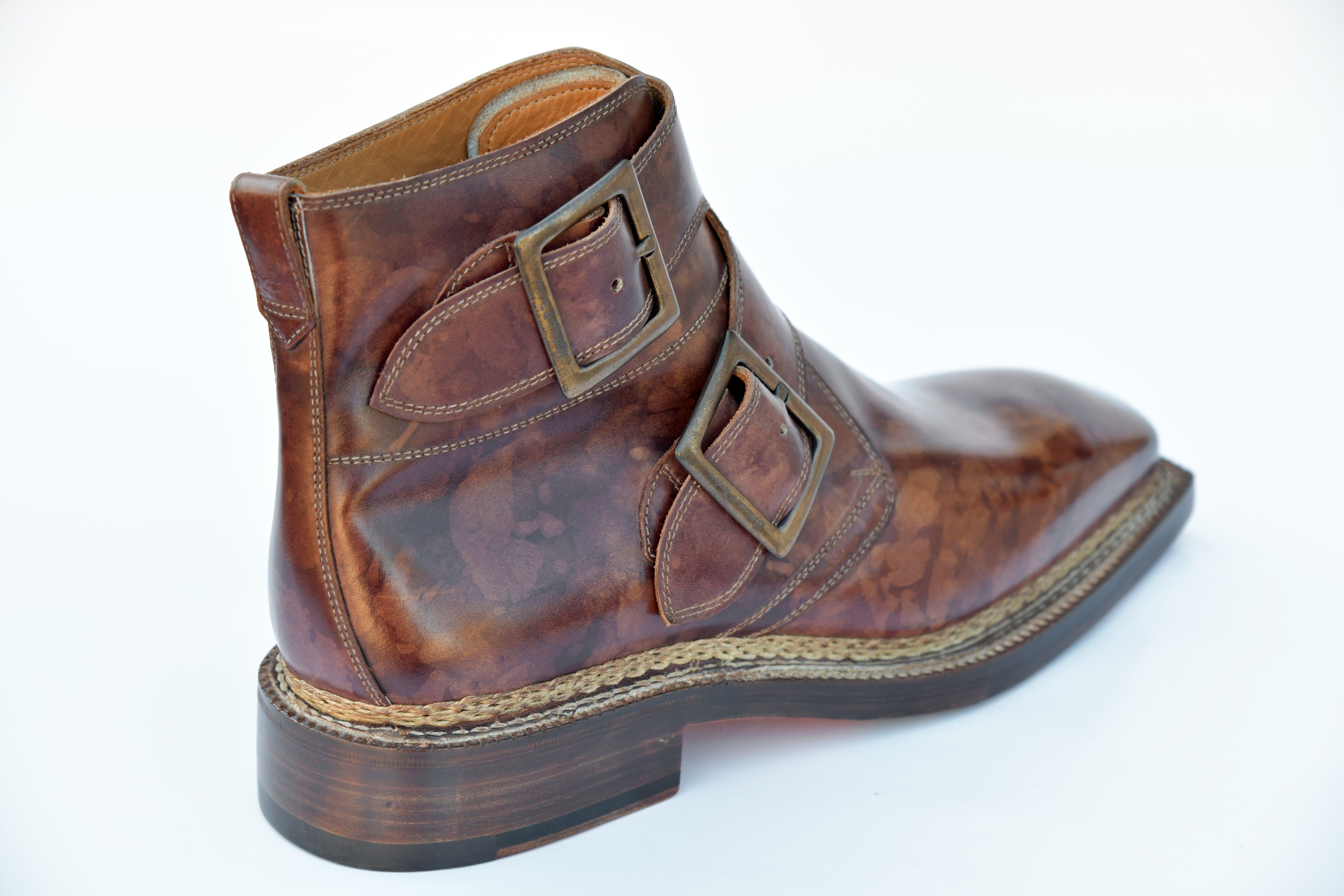 Foto d'estoc gratuïta de estil italià, fet a mà, sabates, sabates d'home