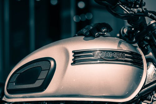 Free stock photo of motorcycle, silver plate, Tank, triumph