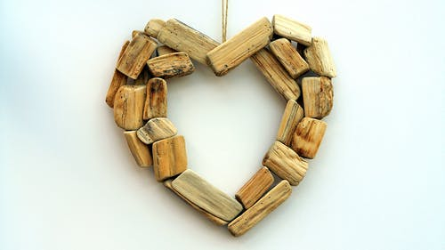 Brown Blocks Heart Shape Wall Mount Ornament